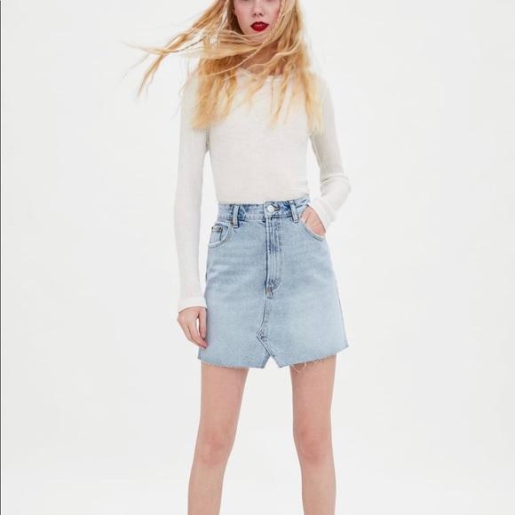672ef4b3 ZARA Mini Denim Skirt